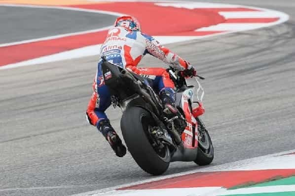 Ducati riders differ on 2018 bicycle shortcoming